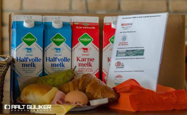 Oranjecomité doneert restanten van het Koningsontbijt aan Voedselbank Nijkerk